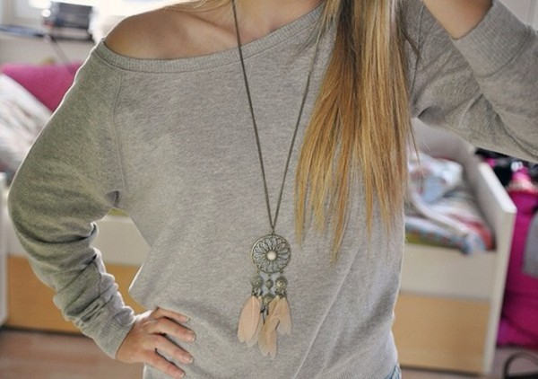 jewels jewelry indian cute necklace beautiful hippie hipster girly classy sweater dreamcatcher pink feathers girl beautiful fashion shirt plumes sautoir collier argent