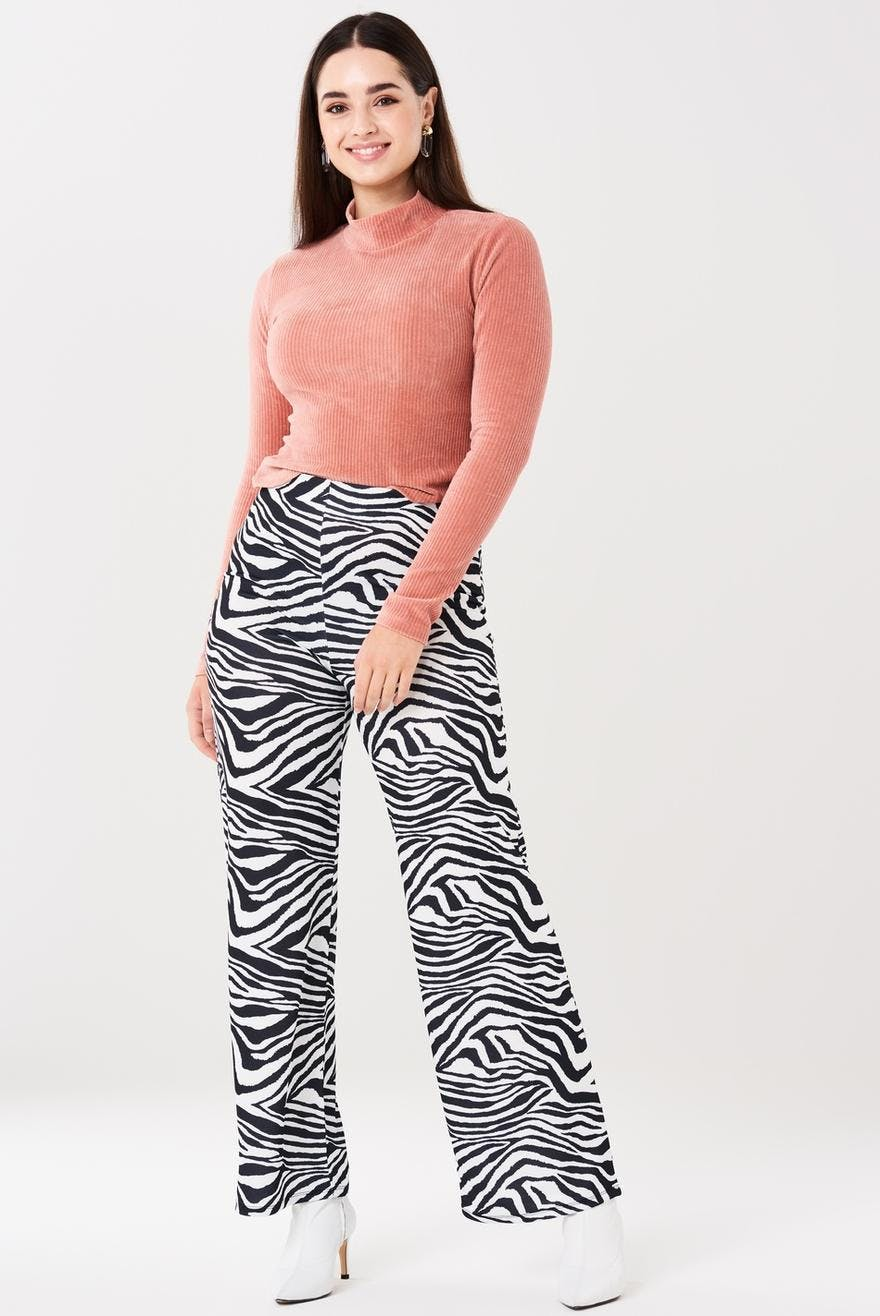 Julia trousers 10.00 EUR, Printed pants- Clothing and fashion online - Gina Tricot