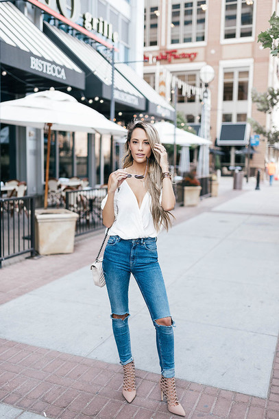 styled avenue blogger shoes bag white top v neck skinny jeans shoulder bag aviator sunglasses nude heels lace up heels