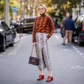 skirt,midi skirt,front slit skirt,snake print,mules,turtleneck,shoulder bag,chain bag,sunglasses