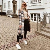 sweater,turtleneck sweater,flare jeans,black jeans,skinny jeans,sneakers,white sneakers,platform sneakers,shoulder bag,coat,checkered,sunglasses