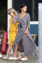 dress,wrap dress,selena gomez,flats,black and white,celebrity,streetstyle,spring dress