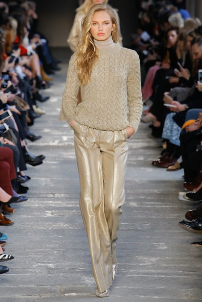 pants sweater turtleneck sweater romee strijd max mara milan fashion week 2017 fashion week 2017 champagne
