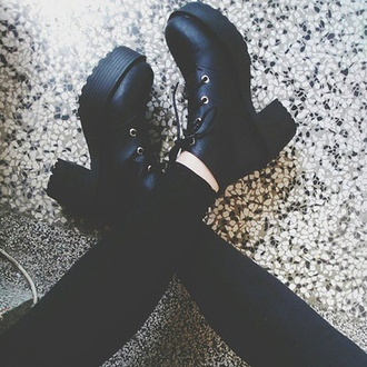 shoes high black grunge shoes black shoes boots black boots combat boots black boots with laces heels high heels gothic boots goth grunge grunge shoes black grunge shoes tumblr weheartit tumblr outfit tumblr shoes