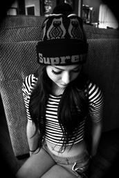 hat,supreme,supreme beanie,beanie,stripes,black,white
