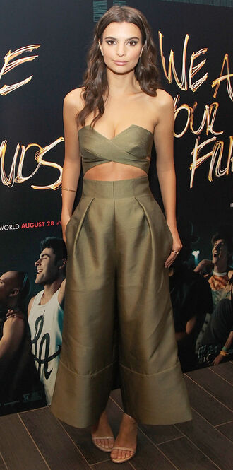 pants crop tops emily ratajkowski wide-leg pants olive green sandals jumpsuit shoes