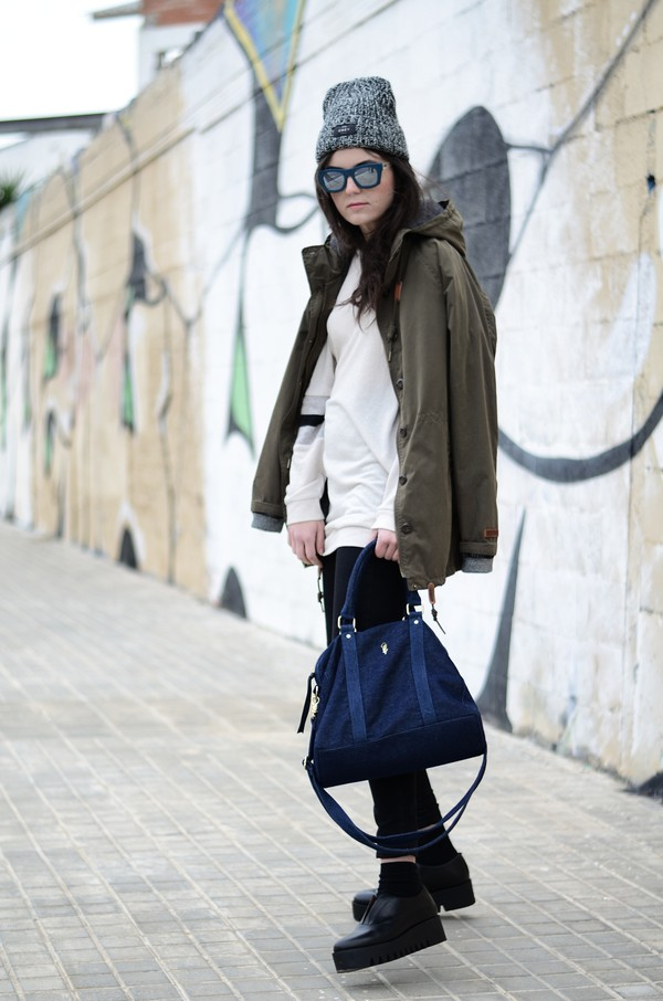 views by laura blogger bag sweater sunglasses parka platform shoes winter outfits