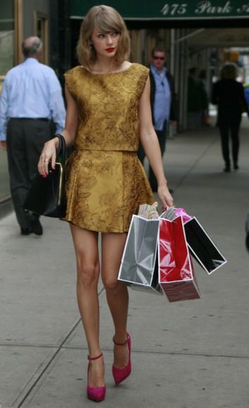 taylor swift top skirt gold high heels shoes