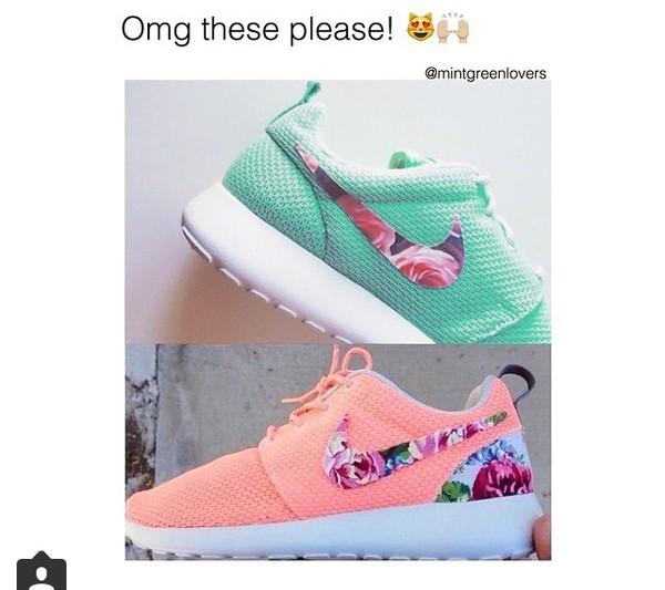 barato barato entrega rápida venta Nike Roshe Se Ejecuta Con Floral En Swooshes Y Los Talones comprar su favorito primera calidad 93uUqp