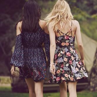 dress floral floral dress hippie boho dress hipster girl tumblr top shoes blonde hair t-shirt