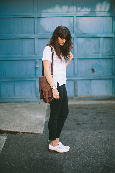 blogger jeans shoes bag jewels t-shirt the mop top forest green fall outfits