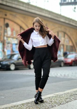 gold schnee blogger blouse faux fur cropped shirt pants cropped pants
