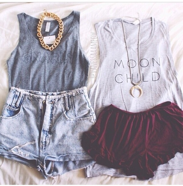 t-shirt perfect combination follow me babies shorts jewels top shirt blouse brandy melville superlative conspiracy grey tank top shors chain crescent moon necklace moon tank top jeans
