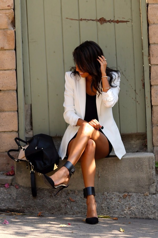 pleaseeee long boyfriend blazer white ? ?