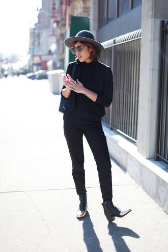 trop rouge blogger boyish black jacket black pants jacket top pants shoes gender neutral no gender equality