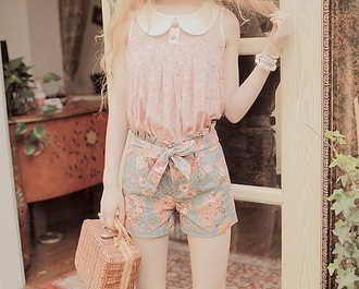 shorts floral high waisted shorts floral pants floral shorts with crop tops flowers cute shorts kawaii fashion lovely peter pan collar love blouse