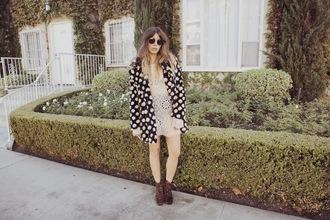 purse'n boots blogger coat shoes sunglasses winter coat polka dots crochet cream