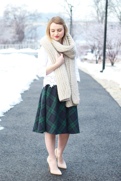 poor little it girl blogger knitted scarf midi skirt plaid skirt top shoes skirt scarf jewels