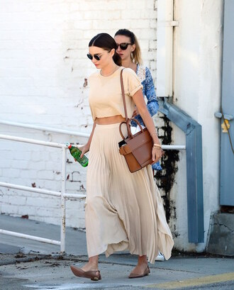 le fashion image blogger skirt maxi skirt pleated skirt crop tops brown bag summer outfits ballet flats miranda kerr celebrity style celebrity