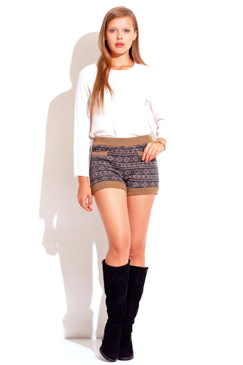 Beige/navy ethnic printed sweater knit bloomer shorts