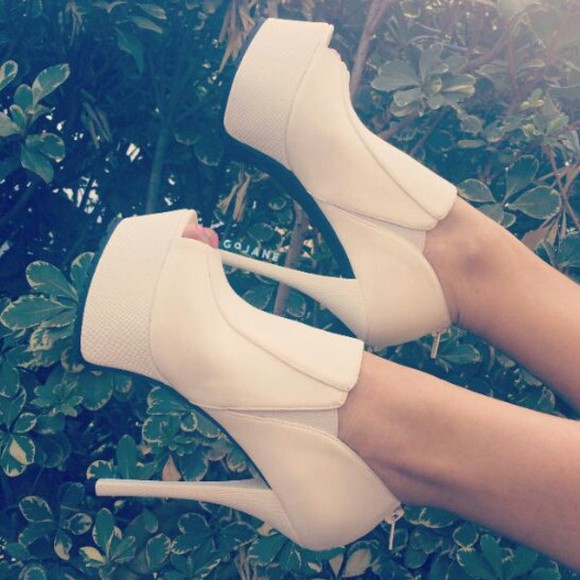 shoes high heels beige tiptoe