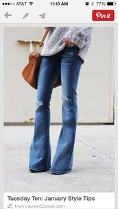jeans,flare denim,wide-leg pants,denim,washed out blue,bag,sweater,casual,girly,flare,ripped jeans,oversized sweater,flare jeans,clothes,bell bottoms,high waisted jeans,fashion,style,pants,campanas,azul