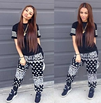 pants india westbrooks bandana print joggers all black everything thug life gorgeous smiles shirt jewels shoes t-shirt cute outfits where do i get this outfit?? black and white pants bandana baggy jordans dope wishlist bandana print black band t-shirt black pants girl joggers trill urban cotton sweatpants top