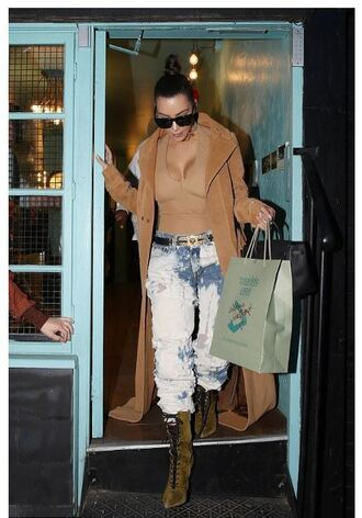 jeans top ripped jeans boyfriend jeans coat kim kardashian kardashians sunglasses boots camel nude top beige coat lace up boots green