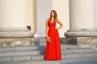 a piece of anna blogger red dress