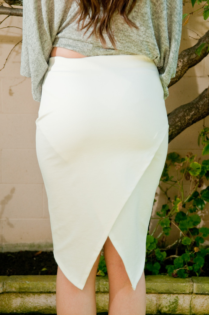 White dracula midi skirt – gold soul