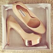 shoes,high heels,steve madden,cute high heels,nude high heels,prom shoes,nude,nude heels,pumps,tan