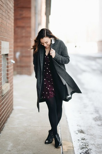 sharingmysole blogger coat dress tights shoes