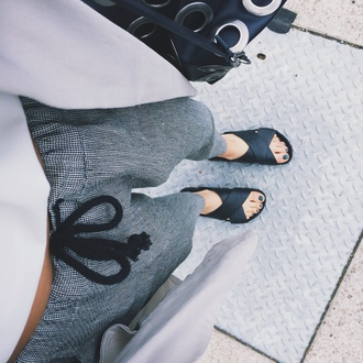 shoes slide shoes sandals pants ribbon sweatpants black shoes flats stripes summer slippers lose grid black and white