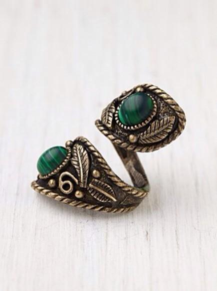 green jewels ring gold vintage emerald green bronze