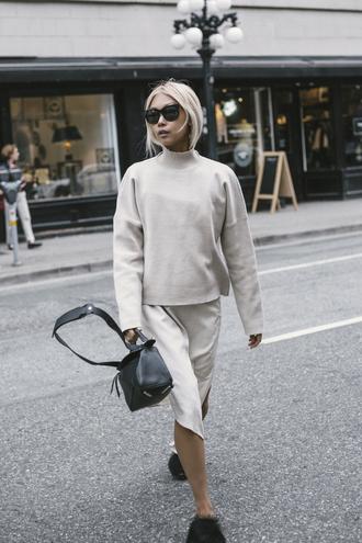 the haute pursuit blogger sweater dress shoes bag sunglasses