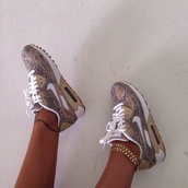 snake print,snake shoes,air max,print,nike sneakers,nike,shoes,sneakers,multicolor,multicolores,brown,white,snake,pattern,nike air,nike shoes,cardigan,jewels,nike running shoes,snakeskin sneakers,tan,nike air max 90,nike roshe run,trainers,nikes,nike air max 1,leopard print,nike leopard shoes