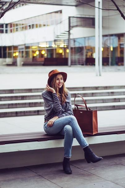 a cup of style blogger hat skinny jeans brown leather bag striped top t-shirt jeans shoes coat bag