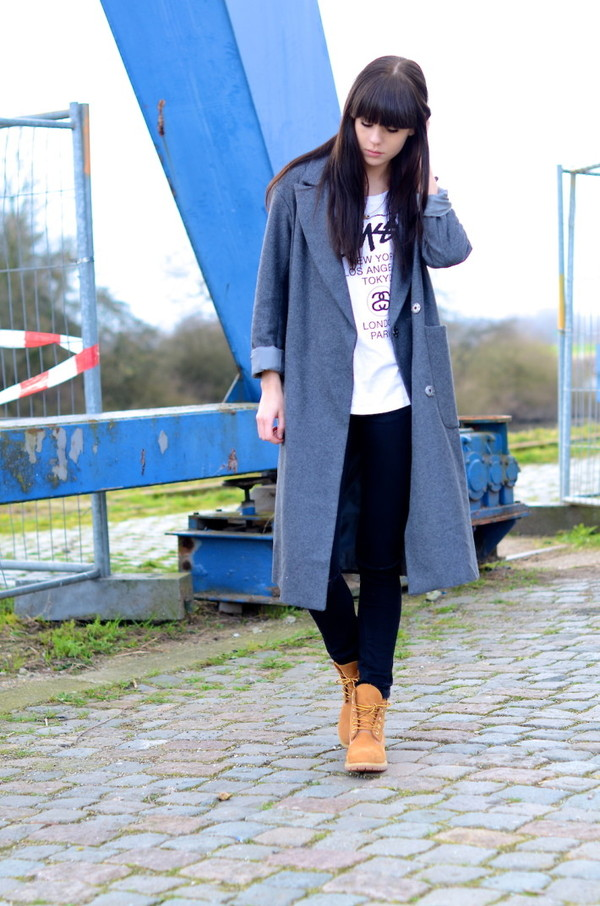 lovely by lucy coat t-shirt jeans shoes jewels