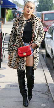 coat,animal print,jasmine sanders,boots,streetstyle,model off-duty,top,shorts