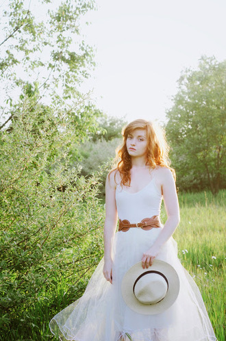 esther fromthesticks blogger hat tank top skirt belt