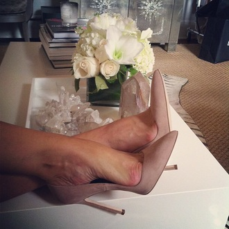 nude pointed toe suede shoes