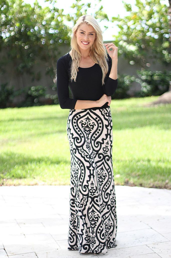 Black And White Printed Maxi Dress With 3 4 Sleeves