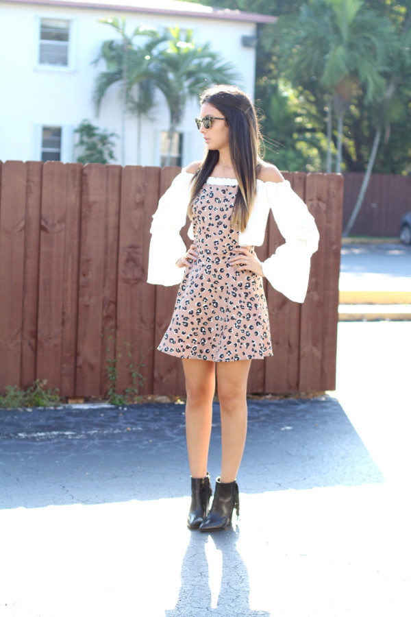 the material girl blogger top jewels sunglasses