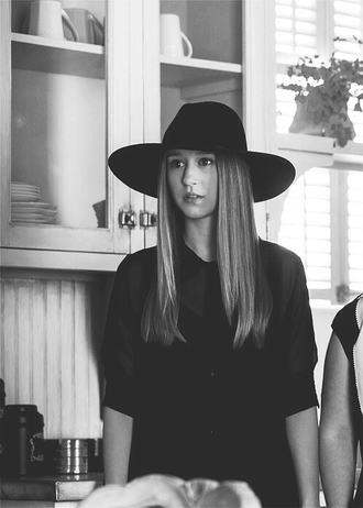 american horror story black black hat taissa farmiga violet harmon violet zoe benson ahs coven ahs murderhouse ahs on wednesdays we wear black hat