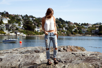 styling my life blogger jacket jeans top shoes bag sunglasses jewels casual