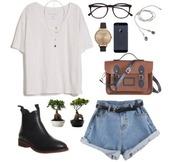 shorts,hipster,short,demin shorts,denim shorts,summer,summer outfits,sunglasses,jewels,bag,earphones
