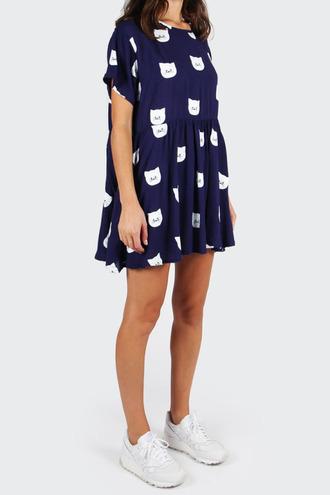 dress clothes cute short dress sneakers