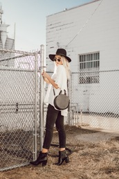 love,lenore,blogger,top,jeans,shoes,sunglasses,bag,hat,round bag,ankle boots