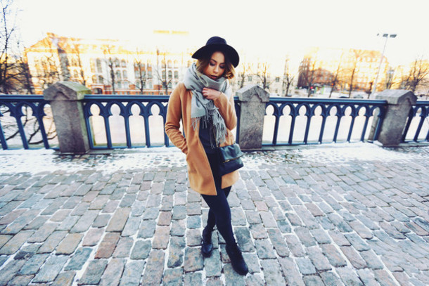 the next episode blogger sweater hat bag scarf shoes