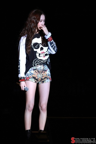 sweater black and white skull sweater kpop fashion shorts